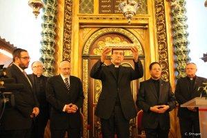 Réception de l'évêque à la Grande Synagogue - Remise du Rouleau d'Esther