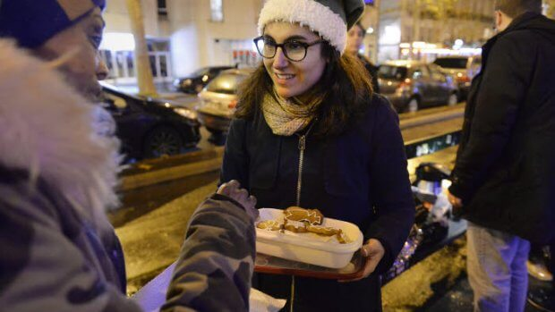 22 décembre 2017 : Maraude de Noël du Secours Populaire Français. Paris (75), France.