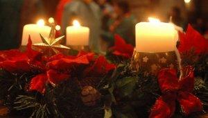 Couronne de l'Avent bougies allumées